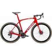 Trek Domane SLR 9 eTap vipera piros / fehér